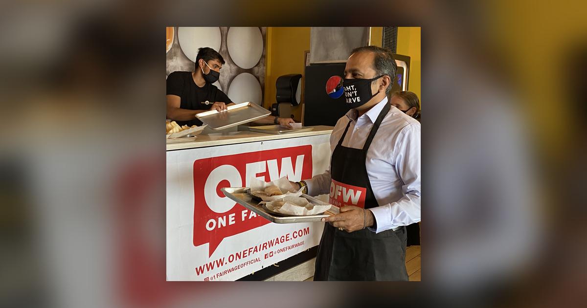 Congressman waits tables, pushes higher wage - WBBM Newsradio On-Demand - Omny.fm